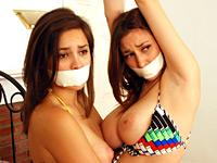 Sexu naked girls ass